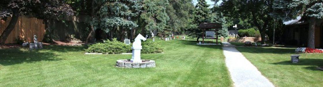 eyJidWNrZXQiOiJhbGlnbmFibGV3ZWItcHJvZHVjdGlvbiIsImtleSI6ImJ1c2luZXNzZXMvYmFubmVycy9vcmlnaW5hbC8xNzc0MDIwLzE1MDc2NTg4NTJfMTAzOTQ3OTVfMTA1NDc3OTkyNzg3MTg5NF81OTgzNDIyOTM2NjYzNTEwMzIyX24uanBnIiwiZWRpdHMiOnsicmVzaXplIjp7IndpZHRoIjoxMTIwLCJoZWlnaHQiOjMwNH19fQ== - Paw Print Gardens West Chicago Il