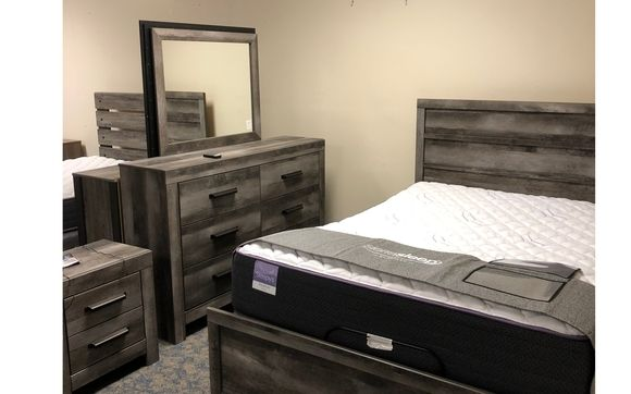 Bedroom Set With High End Mattress By